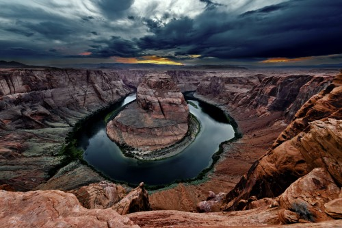 Fencing in Horseshoe Bend: Upcoming Safety upgrade for a Photographic Icon