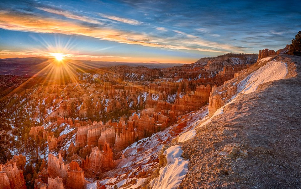 Bryce sunrise with snow