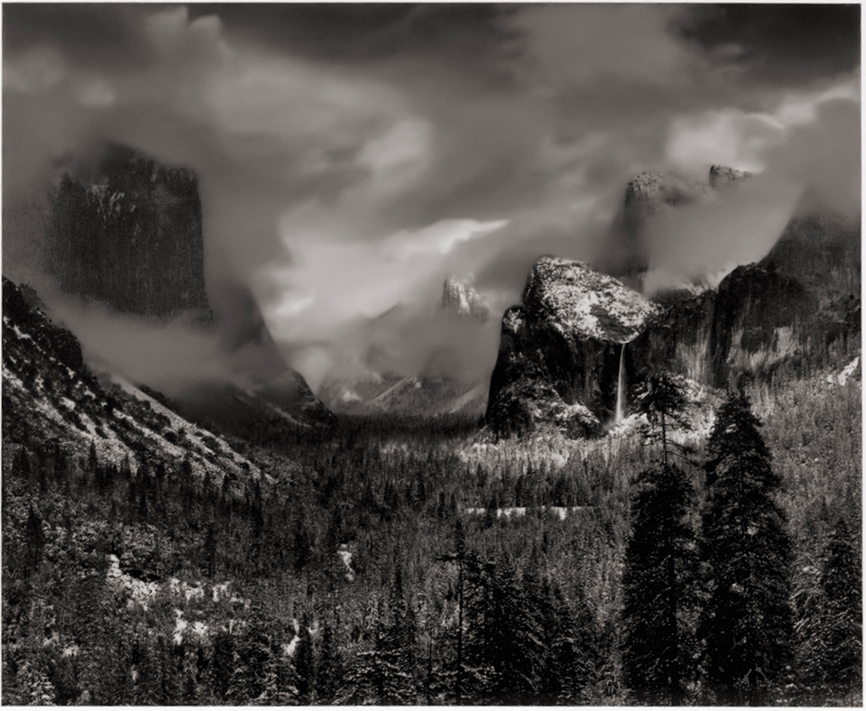 Yosemite's Tunnel View vs. Artist's Point: Which is the Better Choice for Photographers?